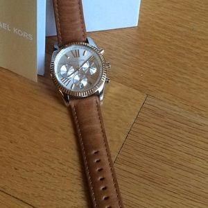 Michael Kors chronograph watch/Leather band.